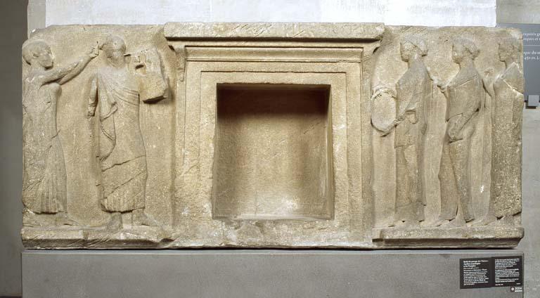 Il Louvre dona alla Grecia i calchi di due importanti bassorilievi portati in Francia nel 1864