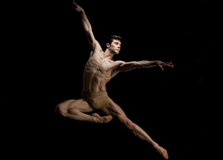 """Giornata Mondiale della Danza, Roberto Bolle agli studenti: """"È una vera scuola di vita"""""""