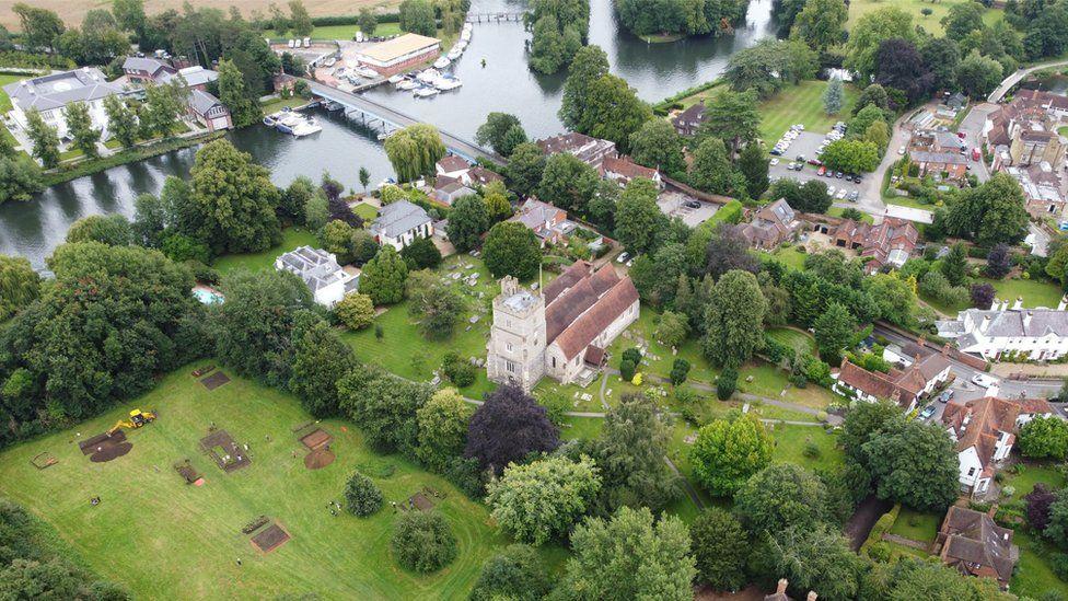 Inghilterra, trovate le tracce del monastero perduto della regina Cynethryth di Mercia