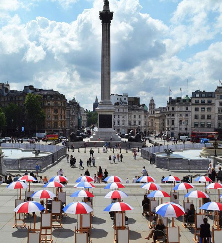 La National Gallery di Londra porta i suoi capolavori in piazza e organizza sessioni di pittura aperte a tutti