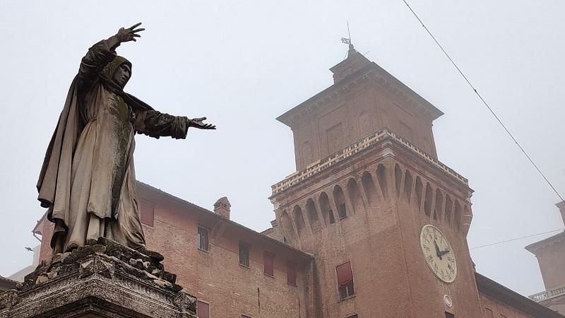 Ferrara, grazie alla donazione di un ristoratore sarà restaurata la statua di Savonarola