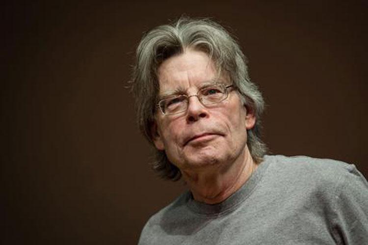 Sorpresa per Franceschini: Stephen King si complimenta per il Bonus Cultura