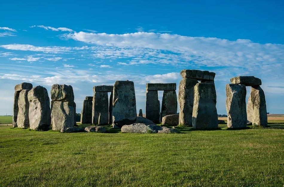 """Stonehenge costruito da """"migranti del Galles"""": scoperto un sito identico a quello inglese"""