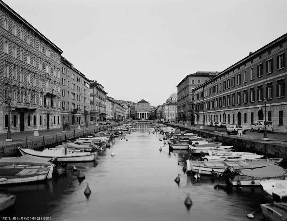 Analogie tra città del mondo. A Trieste la ricerca fotografica di Gabriele Basilico sul tema