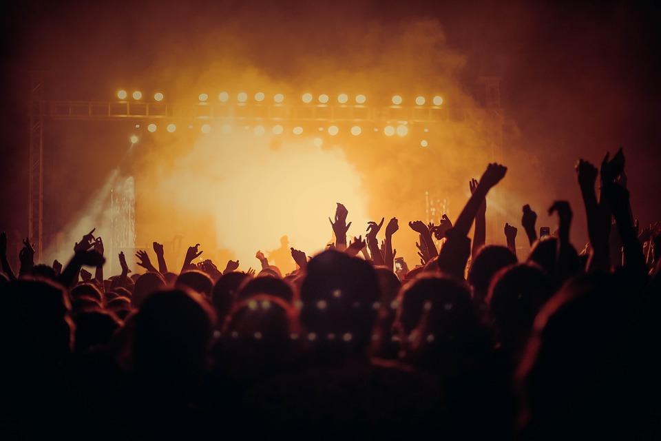 """Industria musicale italiana: """"16mila tifosi allo stadio? Allora deve essere possibile anche per un concerto"""""""